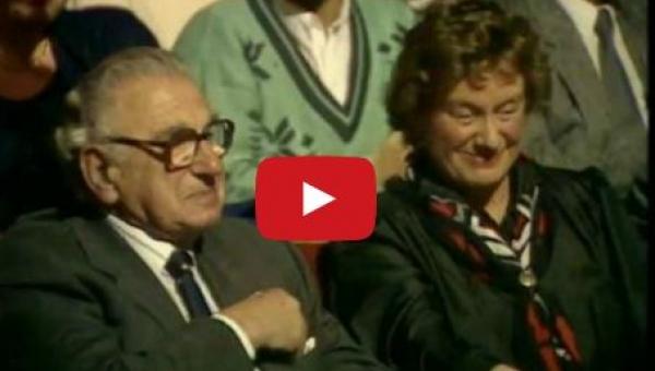 Uratował 669 dzieci przed Holokaustem... I nie ma pojęcia że właśnie siedzą...
