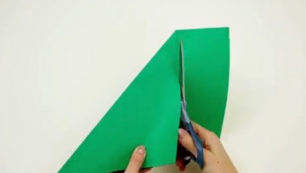 Wystarczyła kartka papieru i nożyczki, a po chwili powstało coś w sam raz na...