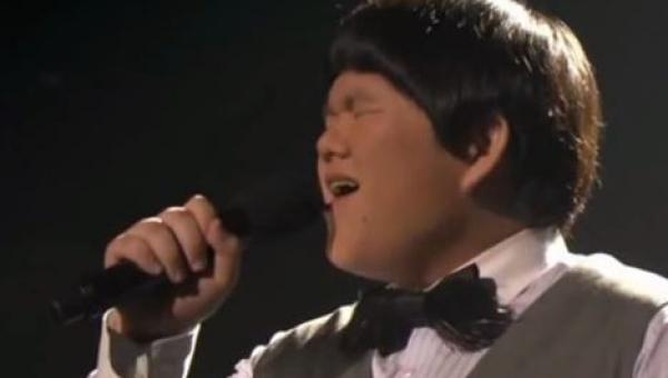 Zaczął śpiewać piosenkę I will always love you, a wszyscy zamarli z zachwytu