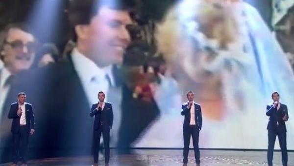 Ojciec wyszedł wraz z synami na scenę, gdy usłyszałem jak śpiewają jestem pod...