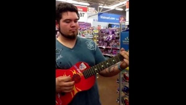 W sklepie wziął gitarę dla dzieci, a to, co stało się chwilę później, da się...