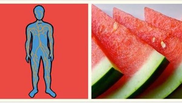 Zobaczcie, co się stanie, jeśli codziennie będziecie jeść plasterek arbuza....