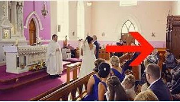 W czasie ich mszy ślubnej doszło do zamieszania. Gdy panna młoda zrozumiała,...