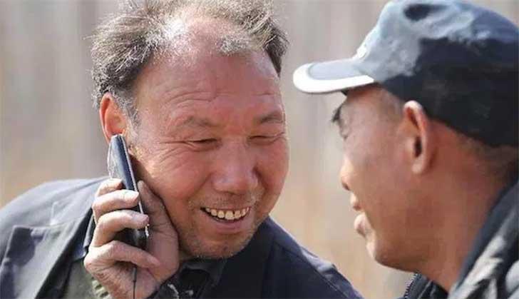 Jia Haixia urodził się z zaćmą w jednym oku, a trzy lata temu stracił wzrok...