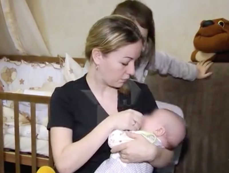 34-letnia Rosjanka z Sankt Petersburga urodziła drugie dziecko, zdrowego...