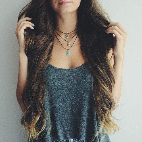No cóż, aby stać się posiadaczką tak długich i zadbanych włosów, jakie...