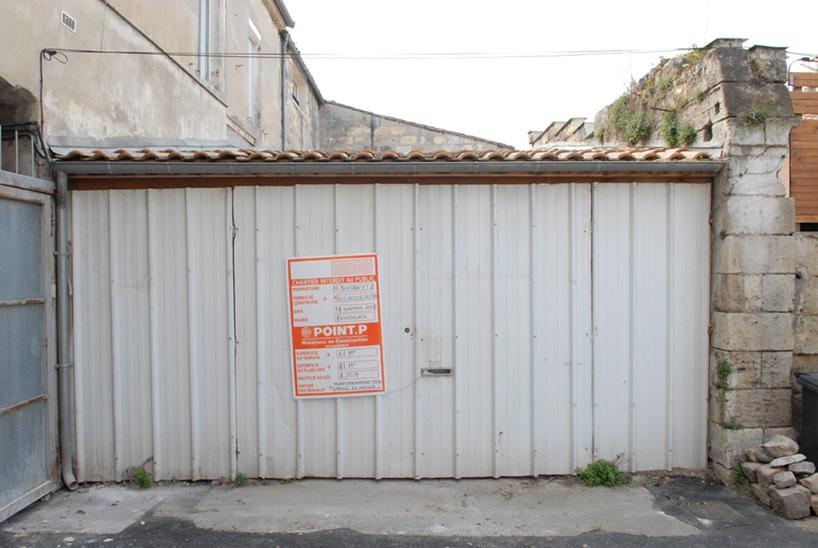 Oto jak garaż wyglądał na początku. Nie tak Jeremie wyobrażał sobie swój dom.