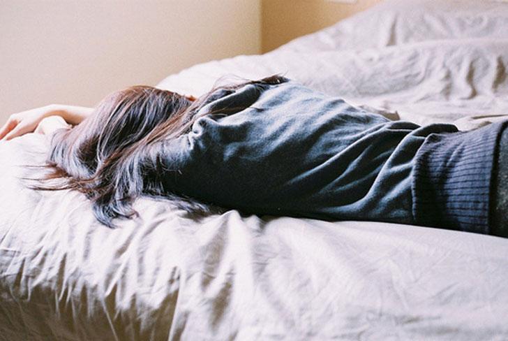 Naukowcy mają dla nas dobrą nowinę. Dowiedzmy się zatem jak zasnąć w 60 sekund!