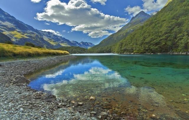 To tam znajduje się... najczystsze jezioro świata, Blue Lake (w rodzimym...