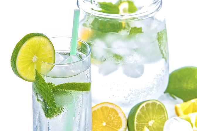 Równie ważne jest picie wody! Może być to po prostu woda mineralna albo ta z...