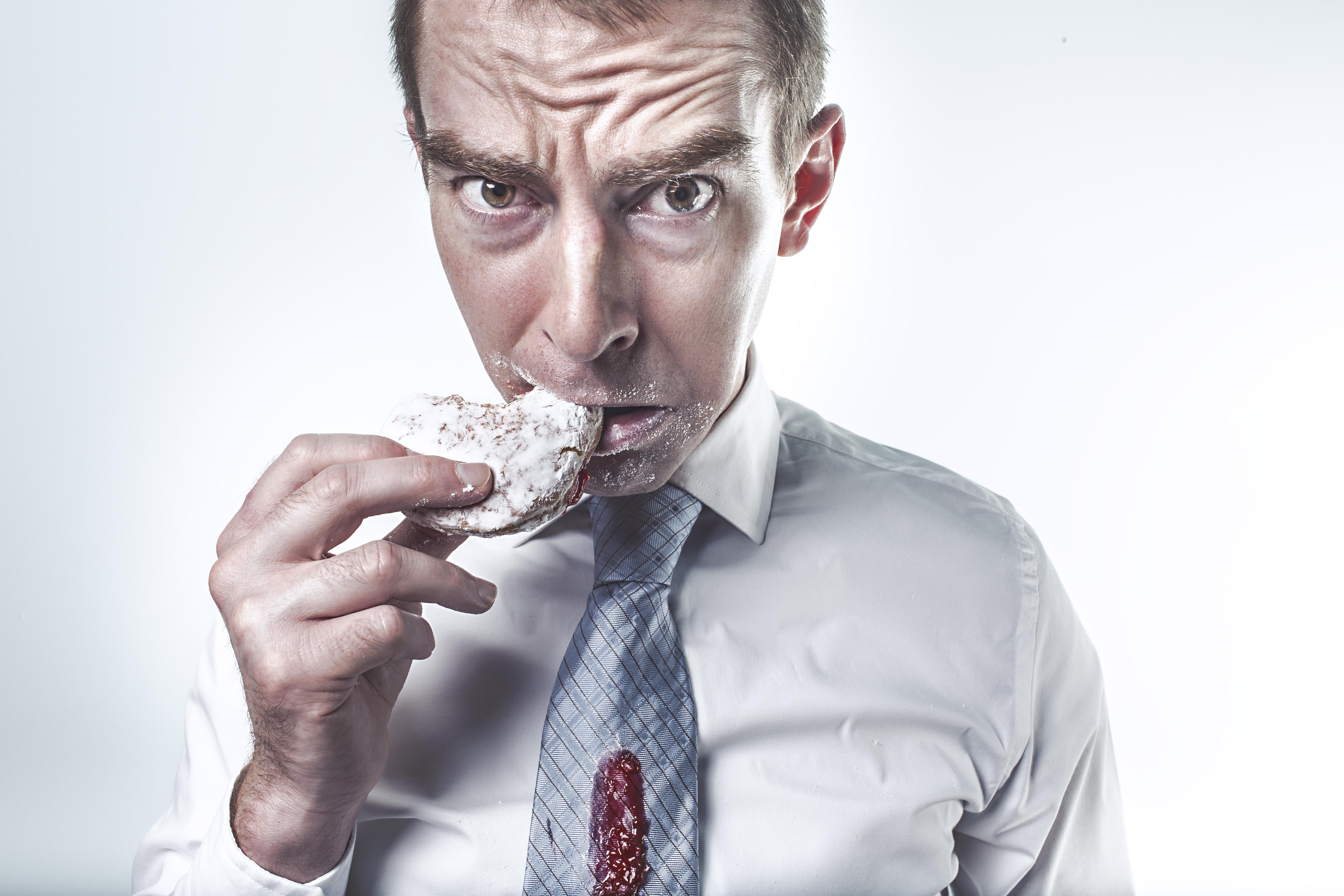 Po trzecie, koniecznie trzeba nauczyć się jeść powoli. Mózg potrzebuje czasu,...