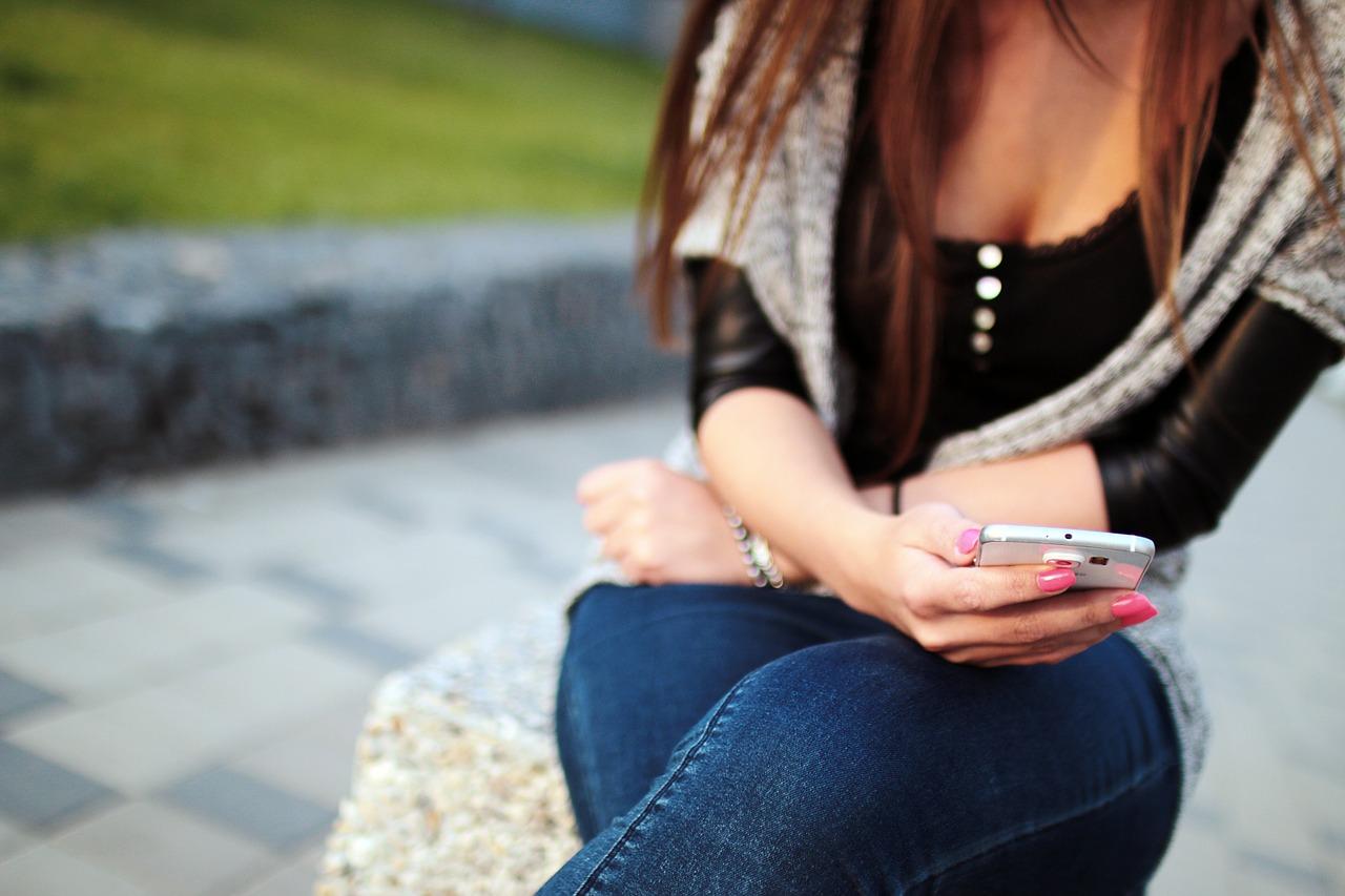 Niektóre telefony z systemem Android mają wbudowaną funkcję SOS. Korzystanie...