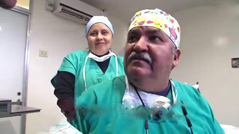 Aby chirurg mógł wrócić do pracy, jego koledzy napisali specjalną petycję...