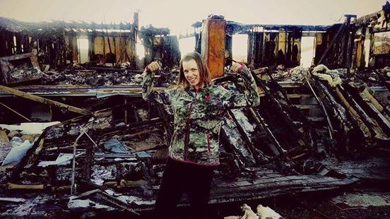 Angel i Gianna nie miały szansy wyjść z płonącego budynku. Wokół szalały...