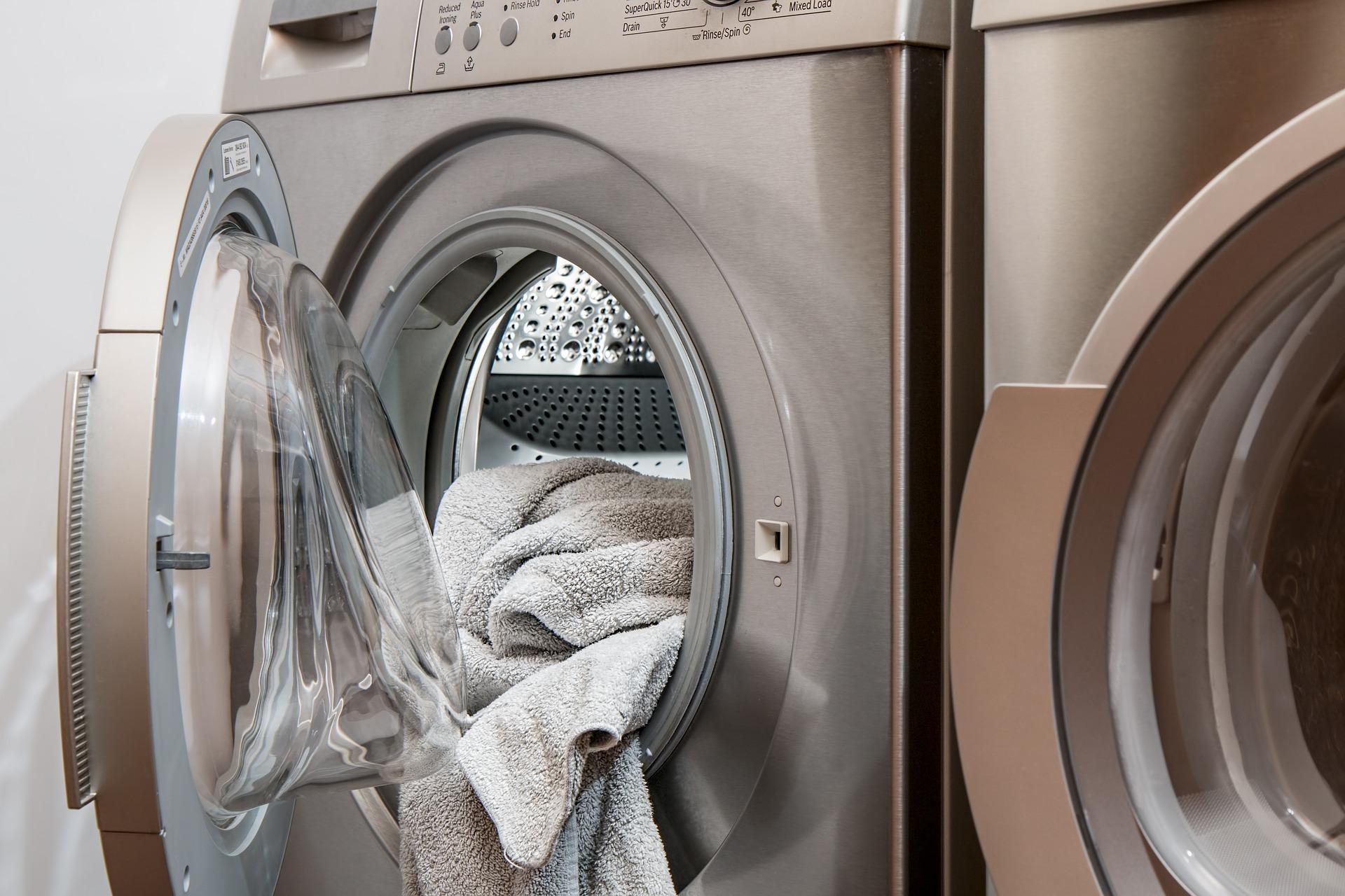 Po skończonym praniu nasza pralka jest czysta. Wystarczy powtarzać ten proces...