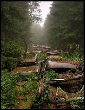4. Złomowisko aut, Belgia.