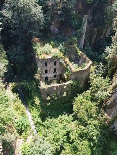 8. Stary tartak w Sorrento, Włochy.