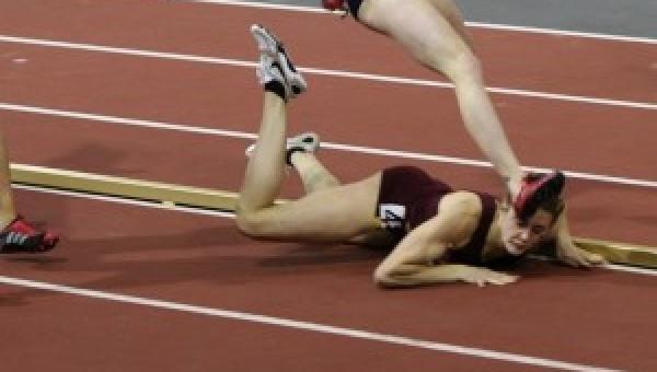 Biegaczka boleśnie upadła w trakcie finału. Ale to co zrobiła potem...