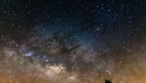 Nagrywał niebo przez siedem dni, to co zobaczył jest nie do opisania