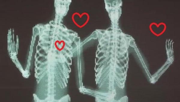 Miłość ma wiele oblicz, a każde z nich jest piękne. Zresztą... sam zobacz :)