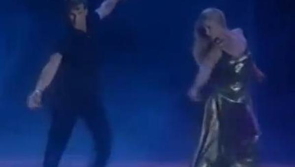 21 lat temu Patrick Swayze zatańczył razem z żoną i wzruszył do łez miliony...