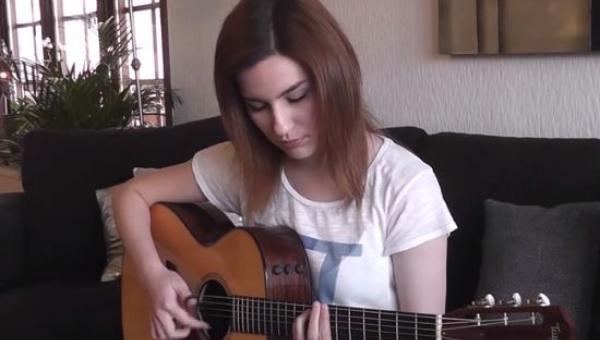 Zaczęła grać na gitarze Hotel California, już po chwili nie mogłam oderwać...