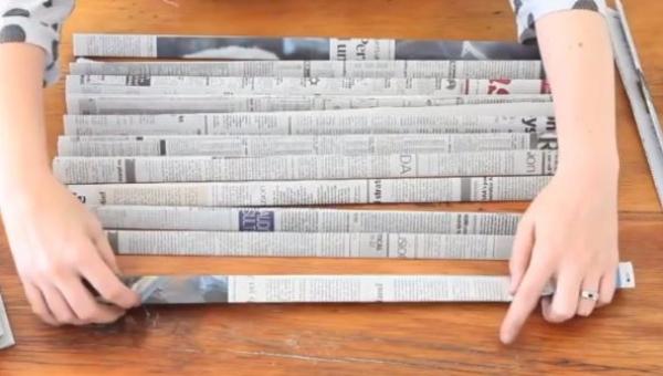 Genialny pomysł jak wykorzystać stare gazety, muszę taki zrobić!