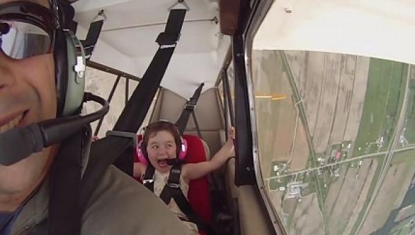 Pilot zabrał swoją córkę na podniebną wycieczkę. Gdy zaczął wykonywać...