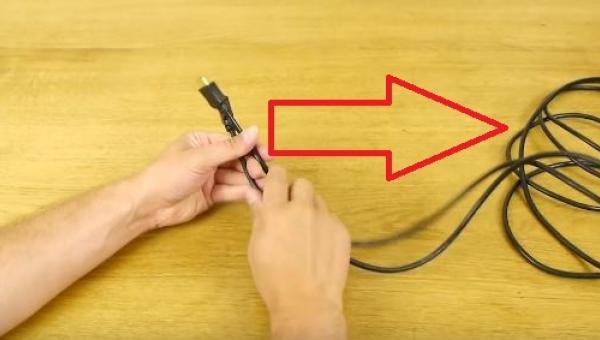 Sposób na problem splątanych kabli? Znamy jeden, ale za to bardzo pomysłowy!