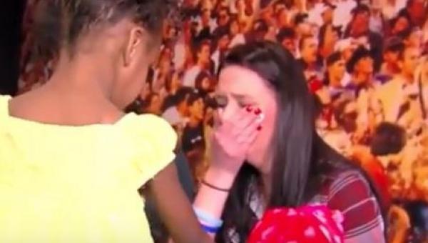 Jej syn zmarł w 2013 roku, a teraz ta dziewczynka poprosiła ją by nacisnęła...