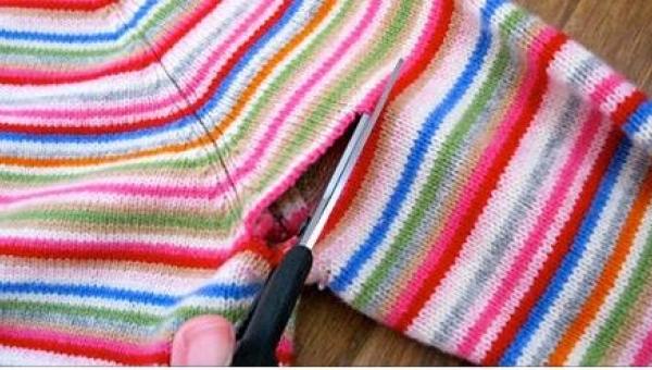 Wystarczy mieć igłę nici i ... stary sweter, by wyczarować kilka ślicznych...
