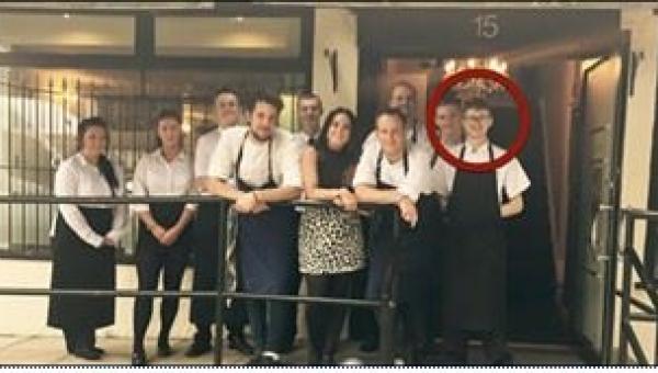 Klienci restauracji zaczęli go obrażać, a wtedy szef tego kelnera zrobił coś...