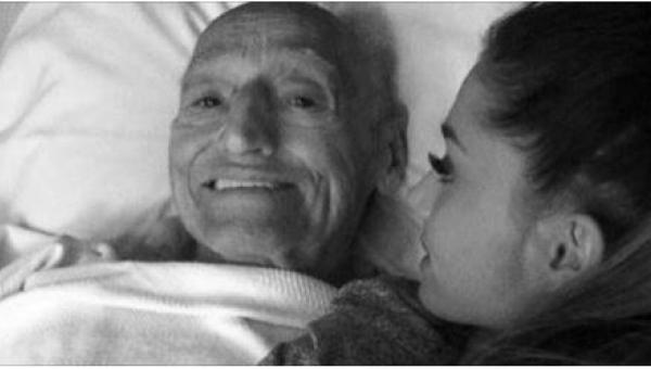 Dziewczyna usiadła u boku swojego umierającego dziadka. Kiedy otworzyły się...