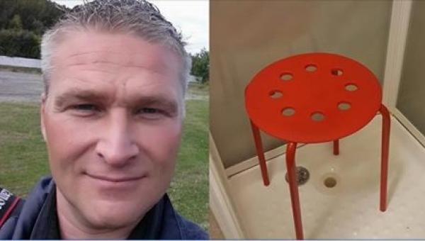 44-latek utknął... z jednym jądrem w tym stołku. To, co odpowiedzieli mu...