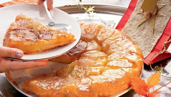 Tarta Tatin. Przepis na ciasto które jest po prostu niebiańsko pyszne.