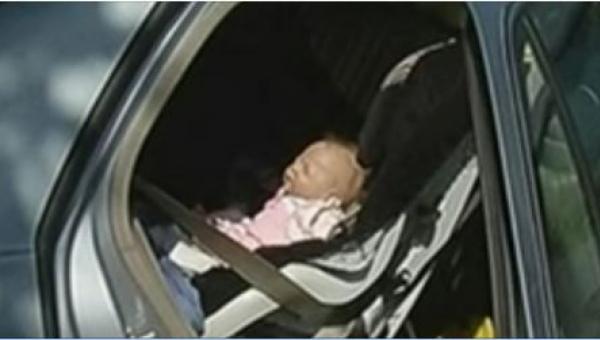 Noworodek nie oddychał. Kiedy policja przyjechała na miejsce, by go uratować,...