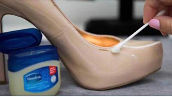 Nałożyła trochę wazeliny na swoje ulubione buty. To, co potem się stało, jest...