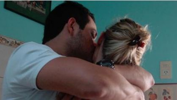Wróciła do byłego partnera, żeby jej dziecko miało ojca. Kiedy rozebrał ją i...