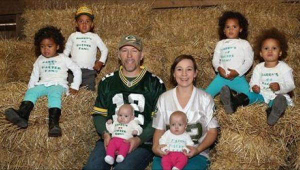 Adoptowali parę bliźniąt, a kilka dni później zgłosiła się do nich...