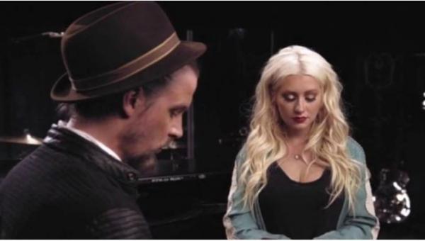 Posłuchaj, jak Christina Aguilera zaśpiewała Say Something w sposób, którego...