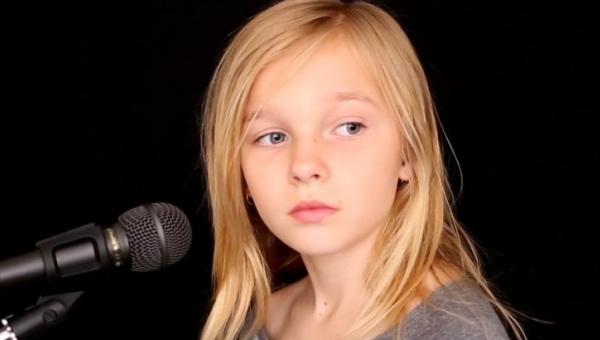Słysząc jak śpiewa nie uwierzycie, że ta dziewczynka ma dopiero 11 lat! Co za...