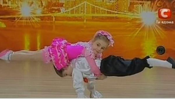 Na początku publiczność myślała, że te dzieci po prostu zatańczą, ale już po...