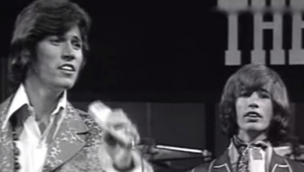 Ten hit z 1967 roku chyba nigdy nam się nie znudzi... Posłuchajcie kultowego...