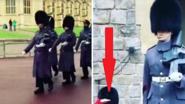 Kiedy jeden ze strażników gwardii królewskiej łamie protokół wszyscy turyści...
