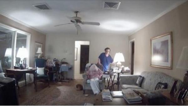 To nagranie pokazuje, dlaczego każdy zainteresowany zatrudnieniem opiekunki...