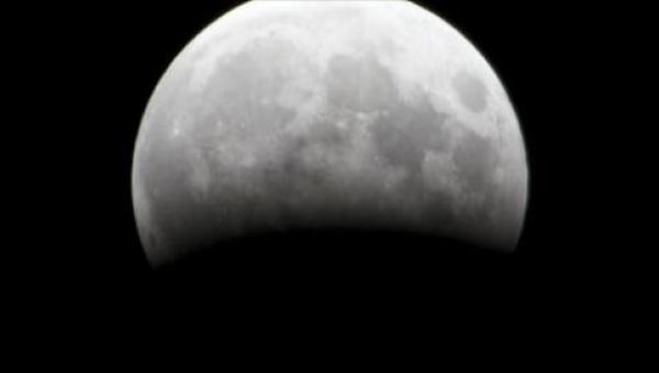Od godziny 20.15 wszystkie oczy będą  wpatrywać się w Księżyc! Ty też nie...