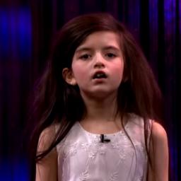 Ta dziewczynka ma 7 lat i wielki talent. Zobacz jej wykonianie piosenki Franka S