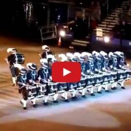 Oto niesamowity pokaz precyzji, koordynacji i talentu