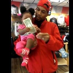 Dostała od taty dolara. Nie spodziewał się co z nim zrobi