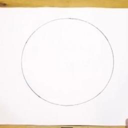 Ta sztuczka sprawi że będziesz w stanie narysować piękne koła nawet bez talentu